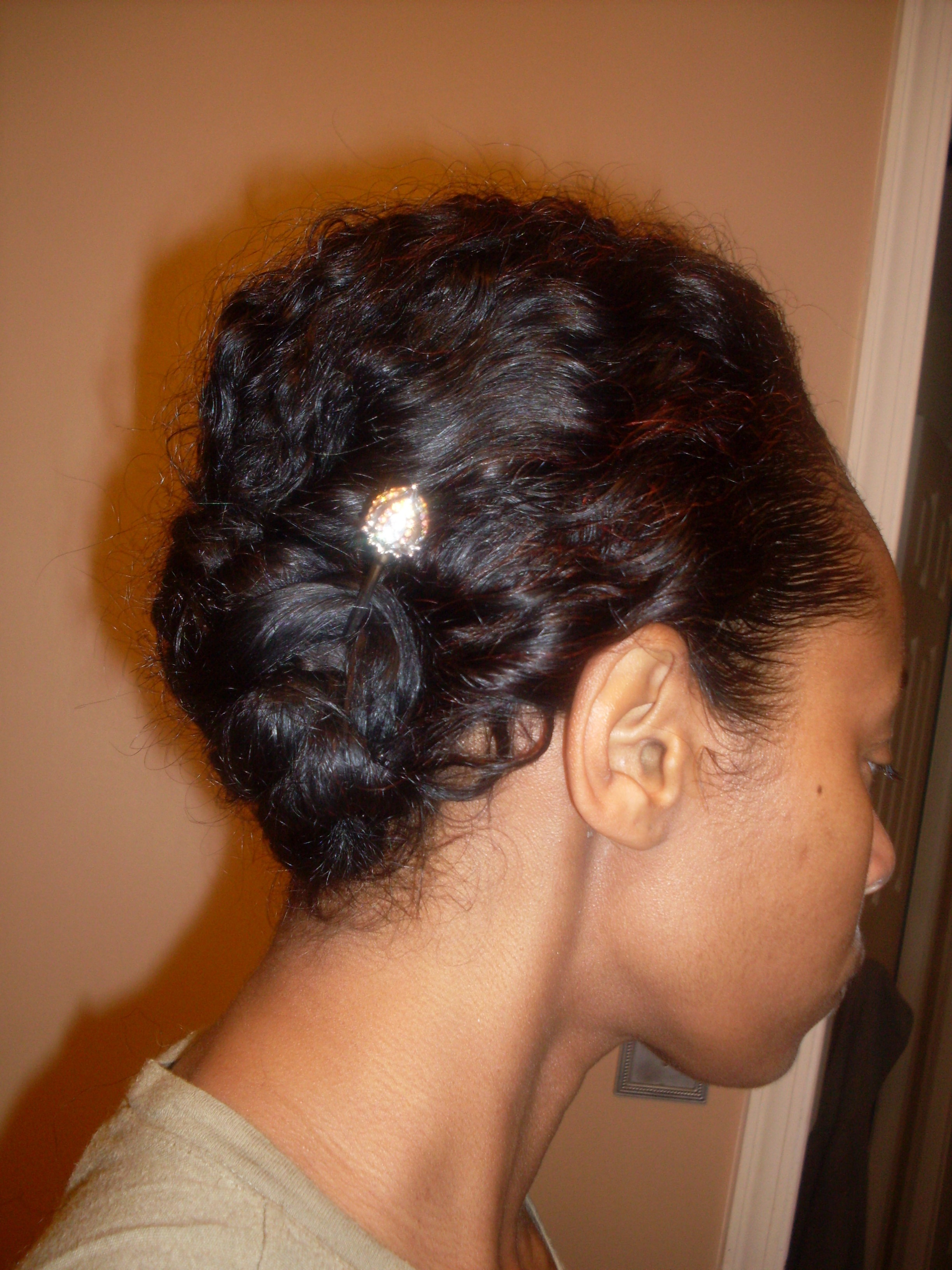 how to make ponytail of straight brazilian weave : Angled Cornrow with Bun hairscapades